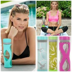 Whether for a stocking stuffer, a gift for the fitness enthusiast or fashion elite, Rivé, an emerging innovator in water bottle engineering and design uses sustainable glass and fashion forward graphics. Safe, stylish and affordable, the brand can be found at www.riveusa.com, at national Target stores, and select Bed, Bath and Beyond stores. $15-20